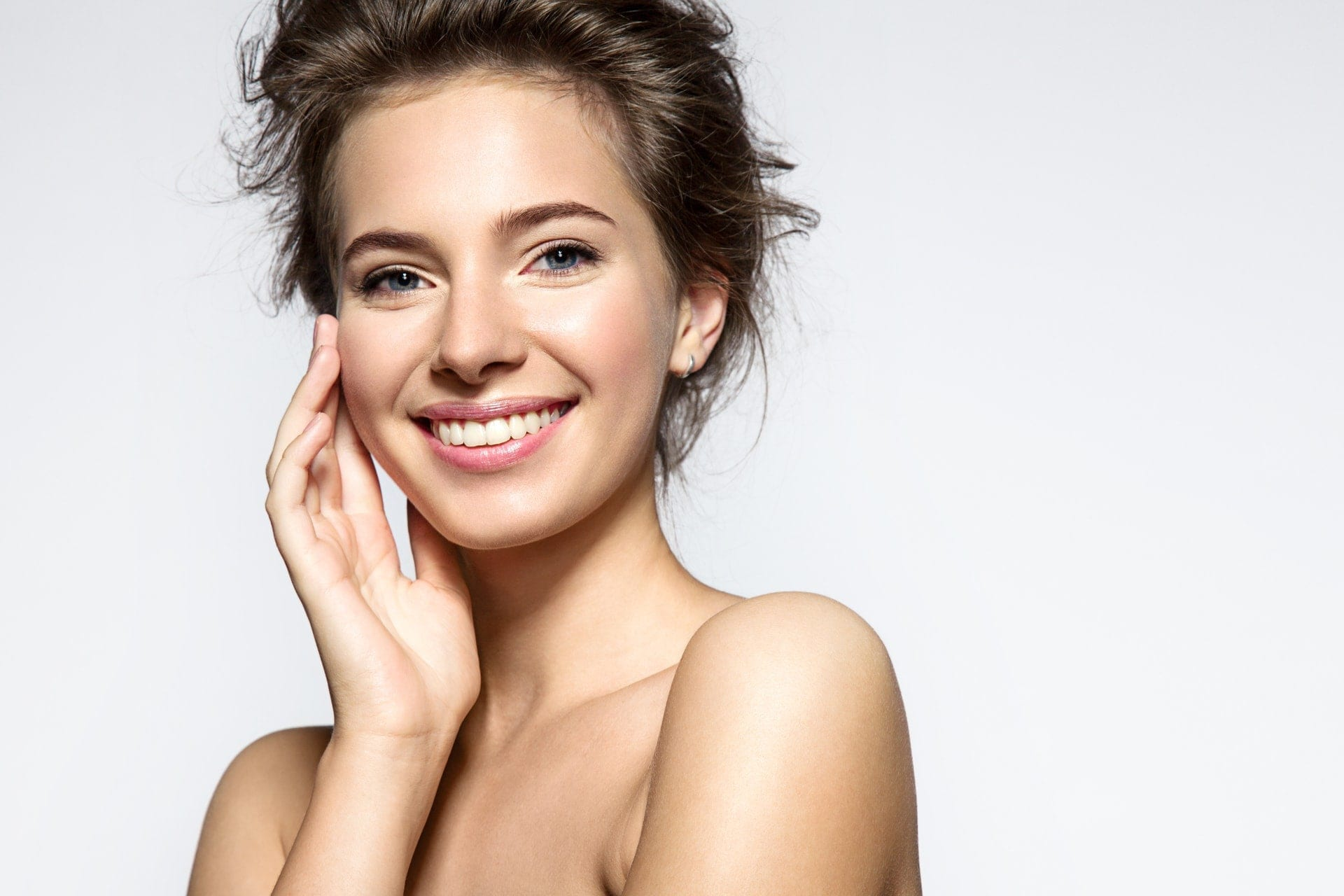 Neck-and-face-lift-non-surgical-PHI-Clinic-London 1920 x 1280