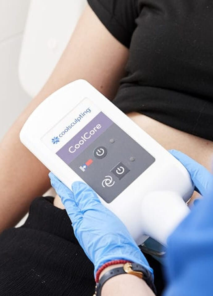 How Does Coolsculpting Work?  - coolsculpting london treatment 690x960 1